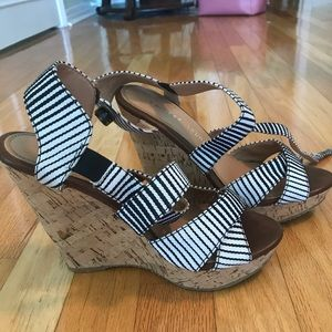 Chinese Laundry striped wedges